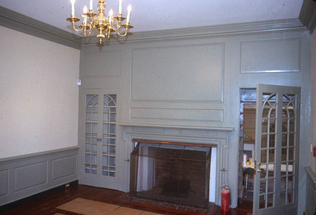 Belmont-FirePlace-white